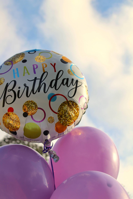 Instagram желае вашата рождена дата