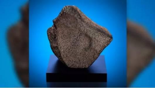 Най-големият марсиански метеорит за пръв път е изложен в музей