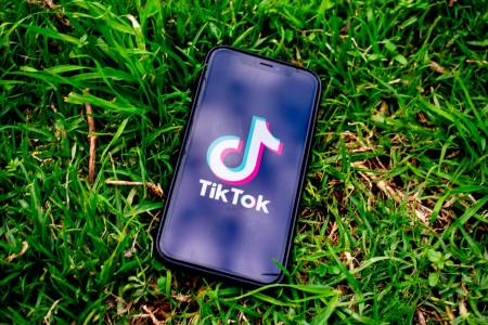 TikTok изпревари YouTube като предпочитана видеоплатформа за Android в САЩ и Великобритания