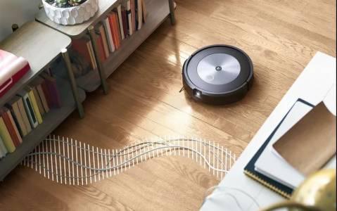 Новият робот прахосмукачка iRobot Roomba j7+ най-накрая разбира, преди да е сгафил