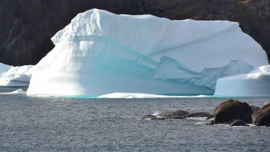 Исторически дъжд над ледена Гренландия вещае опасно бъдеще за крайморските райони