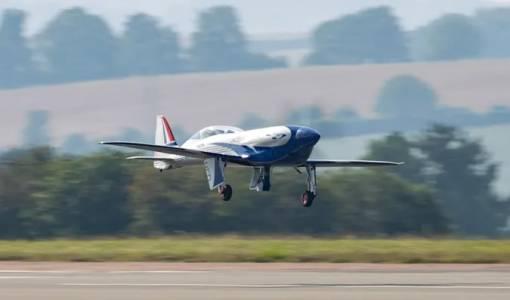 Е-самолетът на Rolls-Royce с 15 исторически минути в полет