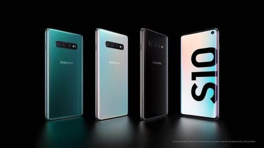 Samsung Galaxy S22 може да ви изненада неприятно, ако държите на голямата батерия
