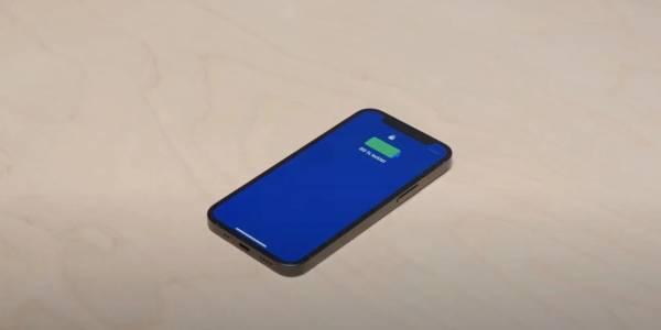 Впечатлете приятелите с това невидимо зарядно за iPhone