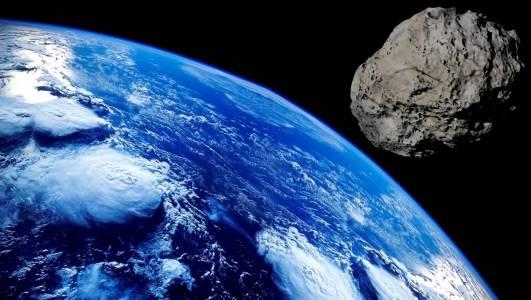 Огромен астероид почти удари Земята, но НАСА го откри едва ден по-късно