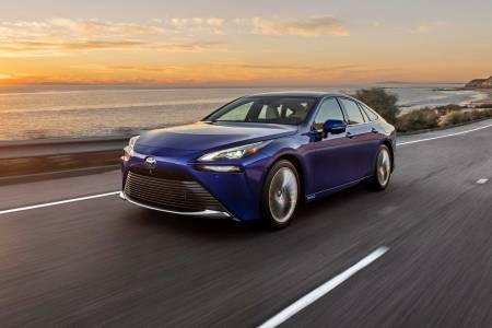 Toyota Mirai извърши рекорден пробег от 1300 км само на водород