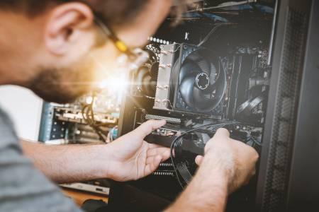 Microsoft може и да започне да зачита ремонти на устройства извън оторизираните сервизи
