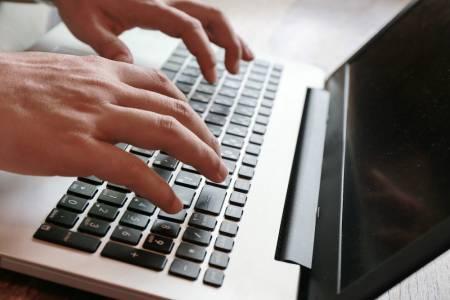 Правописна грешка във Facebook пост може да струва 180 000 долара